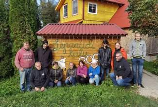 Eesti-Linnukasvatajate-Seltsi-tänukirja-üleandmine-Lepaniidi-Mahetalule-Luige-Lind-2020-toetamise-eest-7